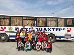 Команда Шахтер-2010 перед отъездом с медалями и кубком, 2 место в ткрнире