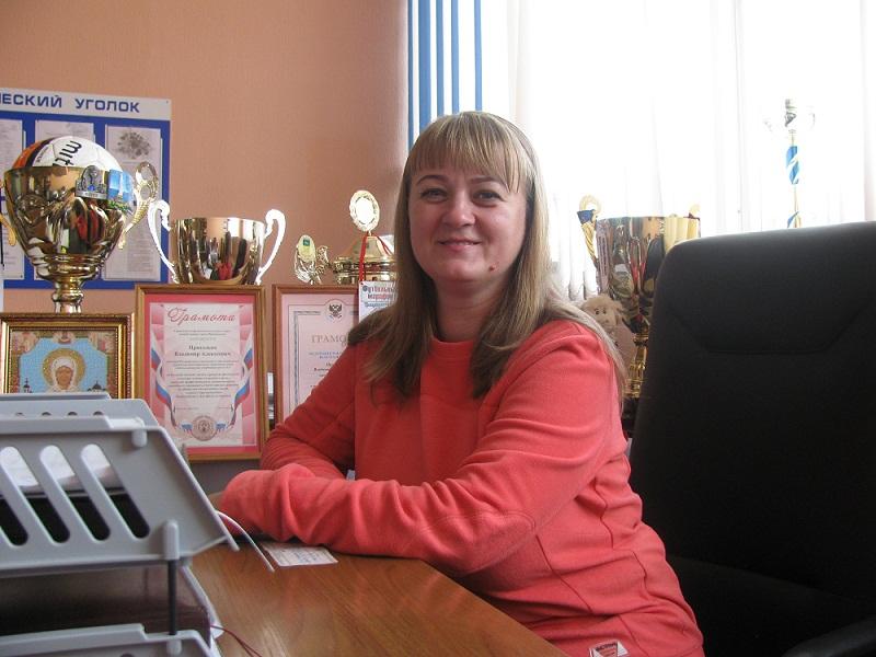 Голощапова Наталья Ивановна заместитель директора по административно-хозяйственной работе